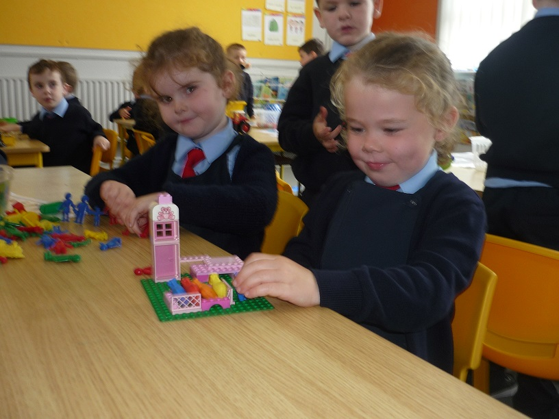 Junior_Infants_hard_at_work_4.jpg